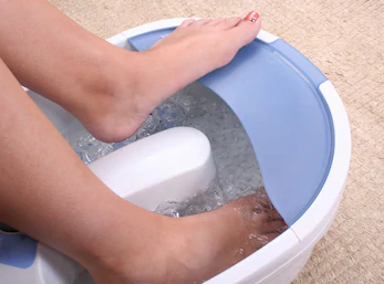 Gout pain relief by cold water
